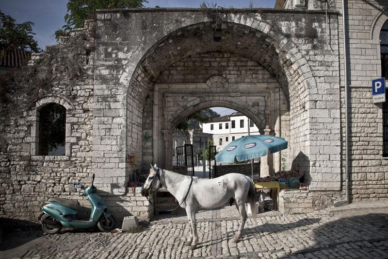 Εγκαίνια της έκθεσης φωτογραφίας 'A Balkan Tale'