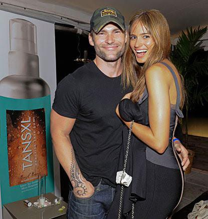 Seann william scott girlfriend