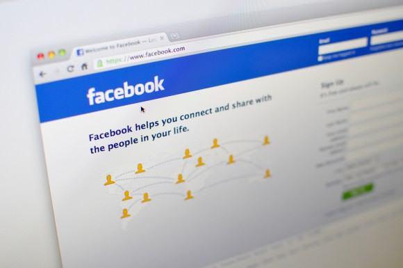 Θα επιτρέπονται τα παιδιά στο Facebook;