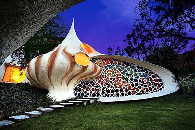 16 33 worlds top strangest buildings nautilus house