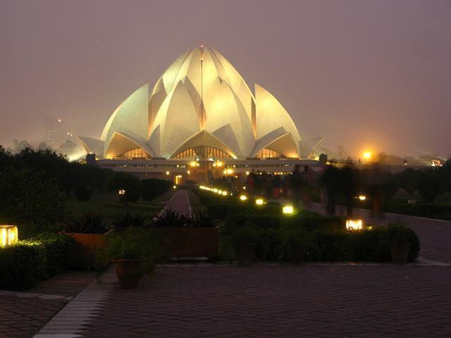 4 33 worlds top strangest buildings lotus