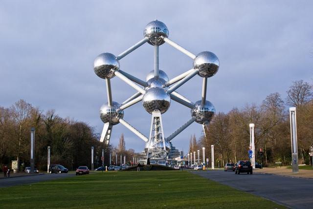 7 33 worlds top strangest buildings atomium