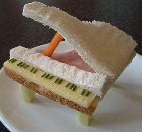 Piano 576x537 The art of the sandwich (14 pics)