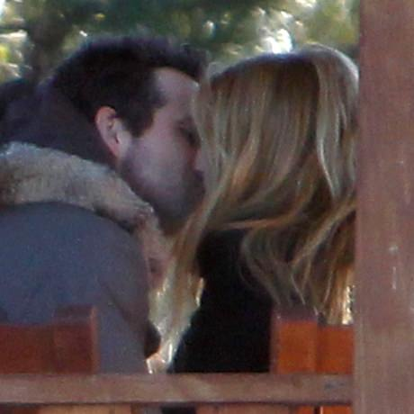 Ryan Reynolds Blake Lively Kiss1