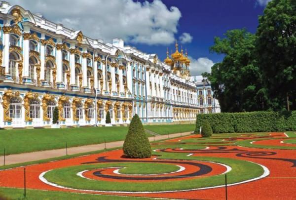Catherine Palace Outside St. Petersburg Russia 600x405