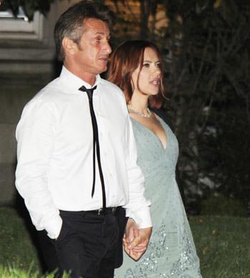Sean Penn Scarlett Johansson Holding Hands 05012011 Lead
