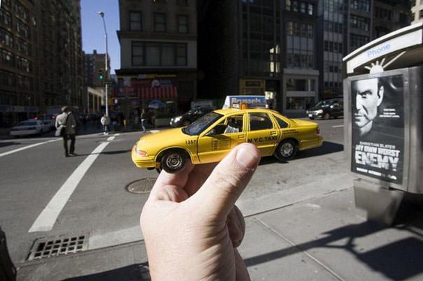 Souvenir Optical Illusions Michael Hughes 10