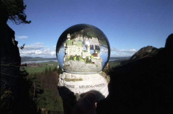 Souvenir Optical Illusions Michael Hughes 12
