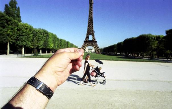Souvenir Optical Illusions Michael Hughes 15