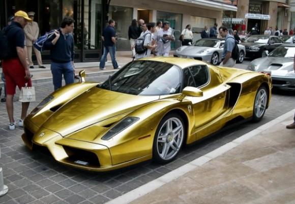 Golden Ferrari Enzo 580x401
