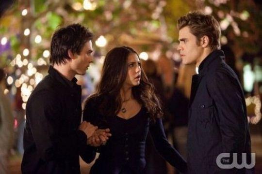 Vampire Diaries Elena Stefan Damon 425x283