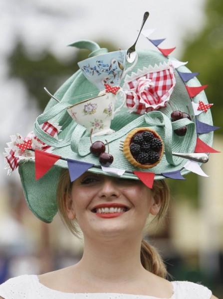 Weirdest Hats 06 600x805