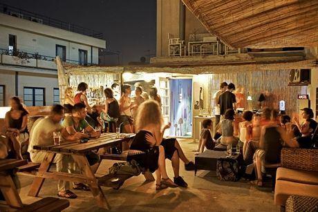Ταράτσα bar (Χοροστάσιο)