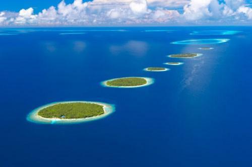 Η ατόλη Μπάα στις Μαλδίβες (Sakis Papadopoulos/The Image Bank/Getty Images)