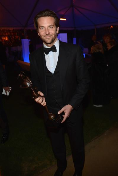 2013-Palm-Springs-IFF-Awards-Gala-bradley-cooper-33237799-399-594