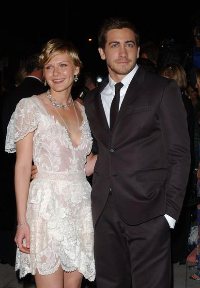 Jake+Gyllenhaal+Kirsten+Dunst+2004+VANITY+IzTYVc8vplJl