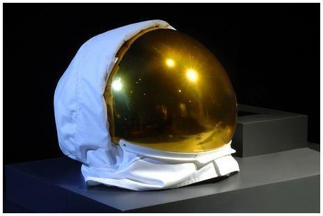 03. Astronaut's gold visor_DF